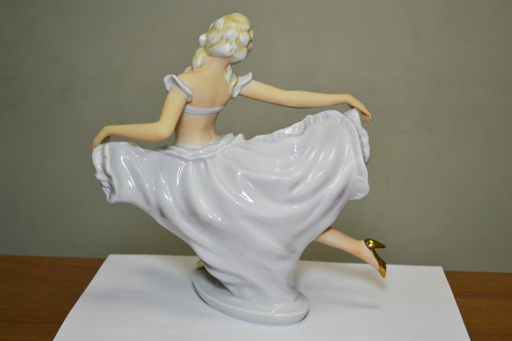 Статуэтка Балерина. 1940-50-е год. Германия. Фарфор. Роспись. Высота 22 см. Идеал. Редкость.