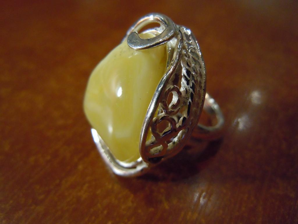 Кольцо с натуральным янтарём, 9,01гр
