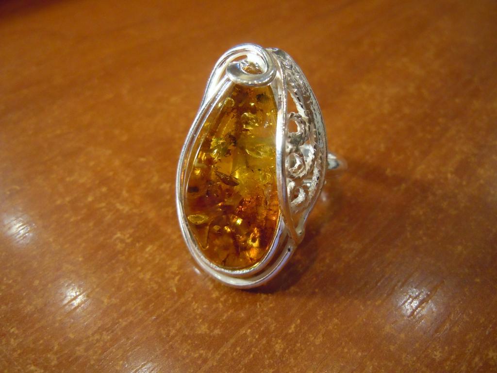 Кольцо с натуральным янтарём, 10,10гр