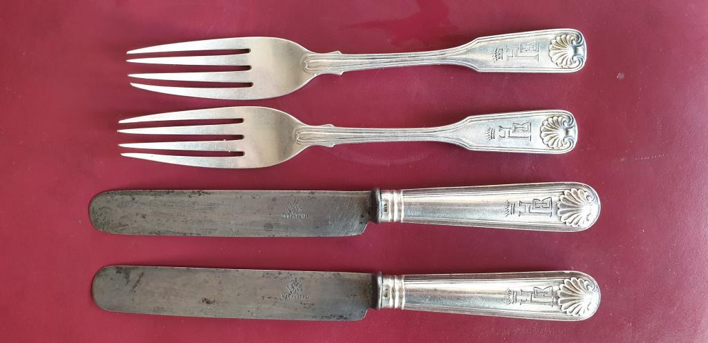 Вилки и ножи десертные. Серебро, 84 проба. Братья Грачевы. 2 пары.