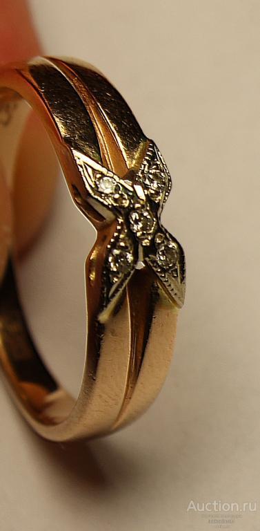Золотое кольцо с полудрагоценными камнями. Клеймо, Золото 585 пробы - 3.60 грамм.