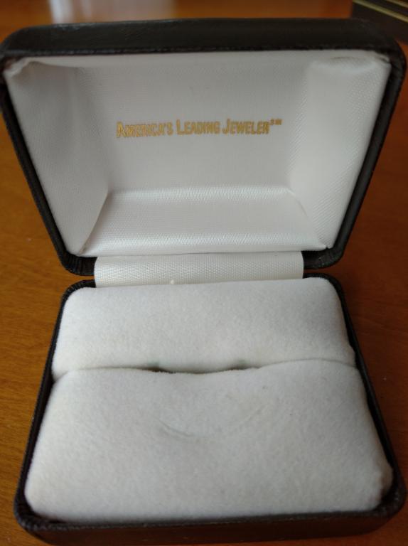 Футляр для ювелирных изделий кольца США винтаж