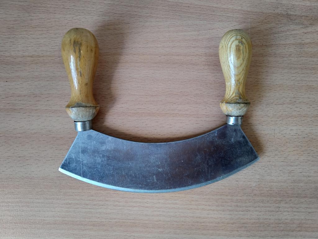 Нож-резак Полумесяц, Старая Германия, клейма 20 см, хорошее состояние,редкость.