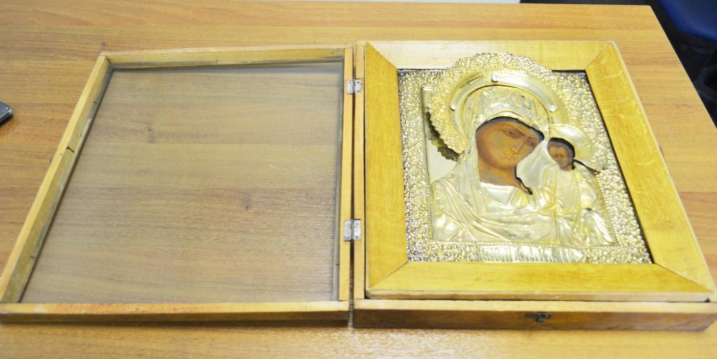 Икона Казанская Божья Матерь. Оклад латунь. 31х26 см. 19 век. Редкость.