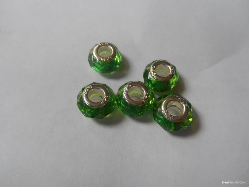 Зеленые шармы для браслетов