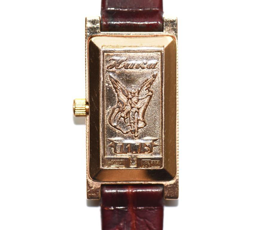 Золотые часы. НИКА. Золото 585 проба. Клеймо 3МН1. Общий вес 15.5 гр. Вес золота ~5.6 грамм