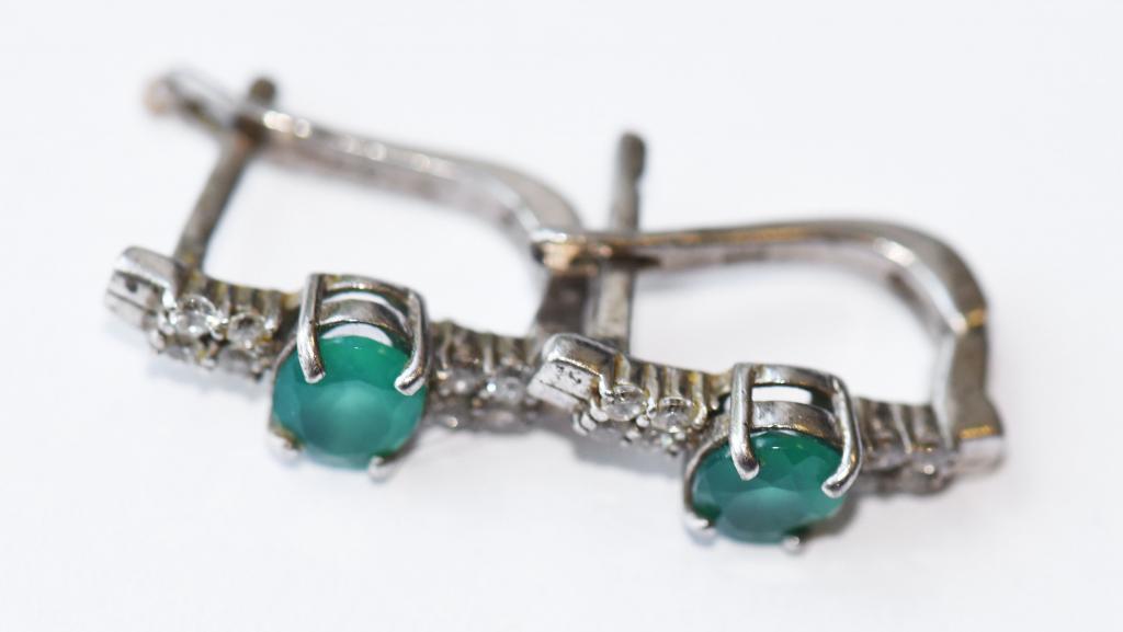 Набор серебряных украшений. Серьги (2 пары), 2 кольца, цепочка и подвеска. Серебро 925, вес 28.4 гр
