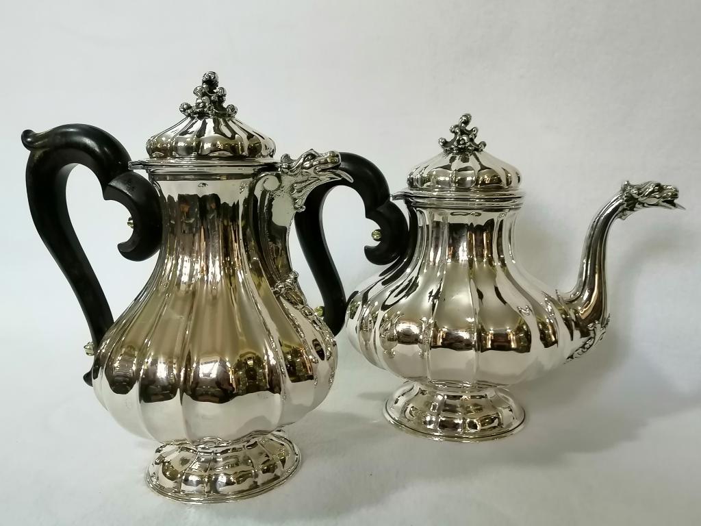 Сервиз чайно-кофейный. Серебро 800 пробы. Италия.