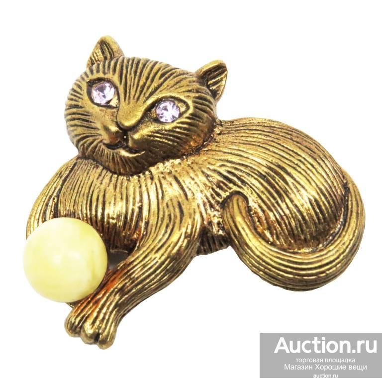"""Брошь """"Кошка с клубком"""" янтарь светлый латунь (бронза) брошка стильная бижутерия 108"""