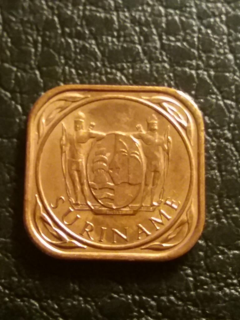 Суринам  5 центов 1988   год