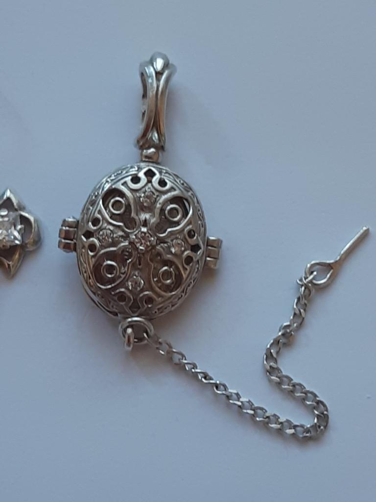 Крест Кулон Ладанка Божья Матерь с младенцем  Серебро 925 проба Вес: 9,25 гр С Рубля