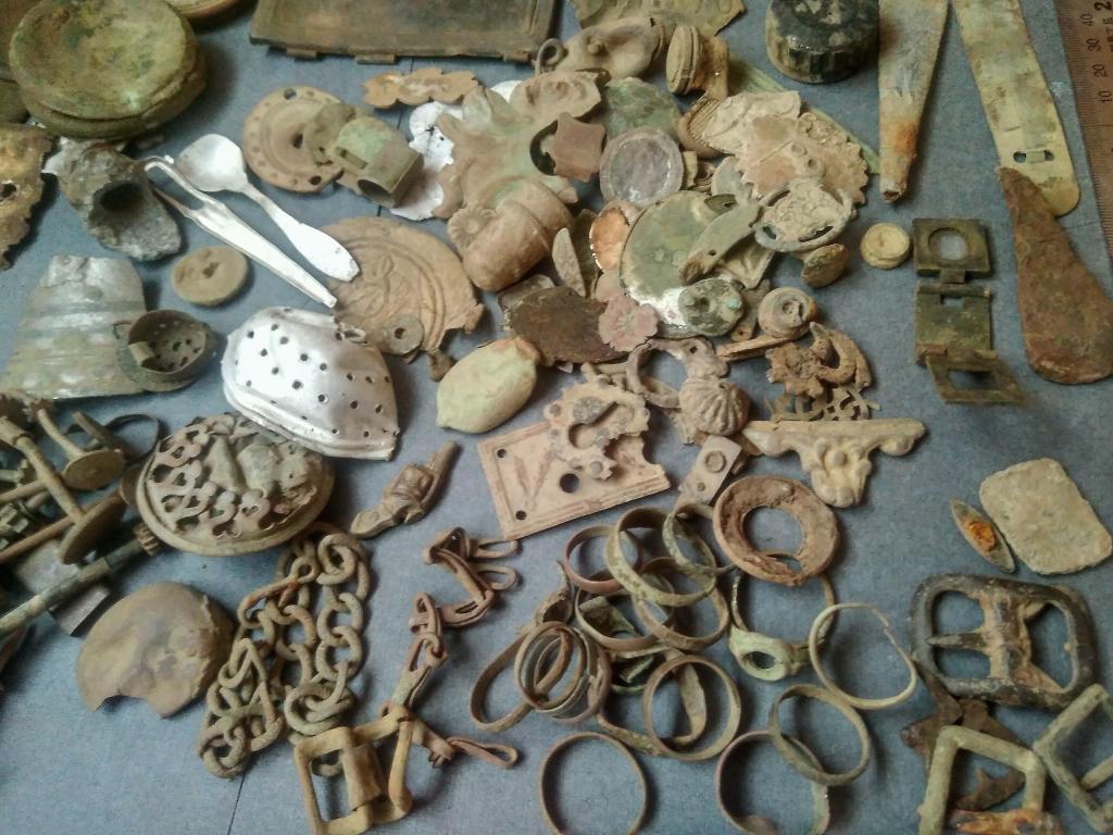 Старинные часы, украшения. Пруссия, Германия