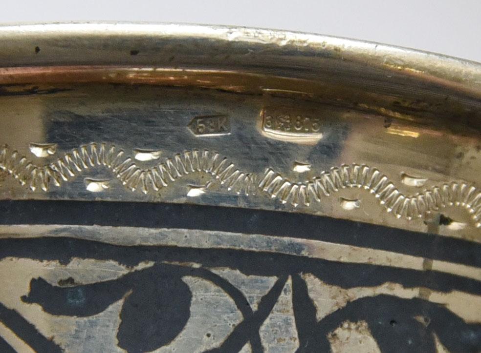 Набор из 6 серебряных рюмок. Кубачи. 875 проба. Общий вес 412.5 грамм.