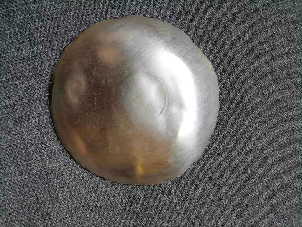 Блюдце серебряное украшенное золотой нитью