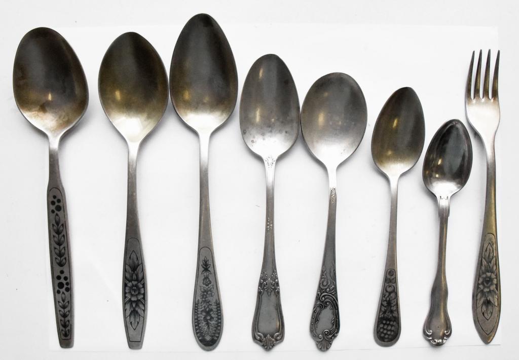 6 столовых серебряных ложек, 1 десертная, 1 вилка. Серебро: 84/875 пр, Общий вес: 432.5 гр z