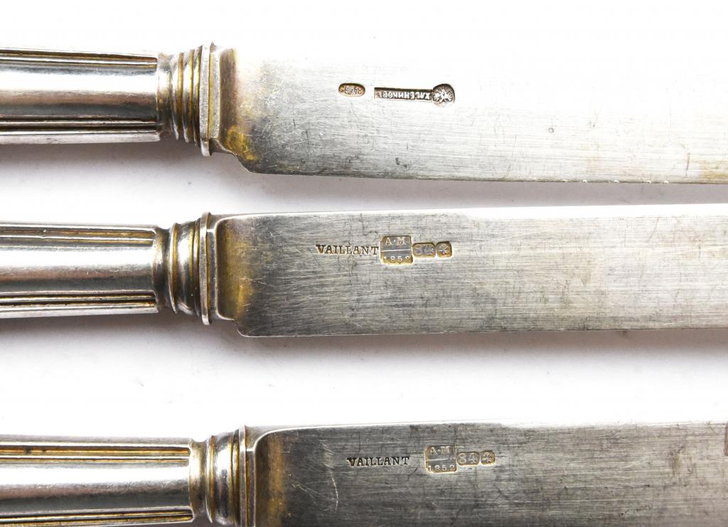 3 столовых серебряных ножа, вилка. Серебро: 84 пр, Общ. вес: 331.5 гр  VAILLANT/Хлебников  z